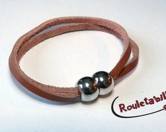 "Bracelet, natural leather straps, ""silver ball"" magnetic clasp"