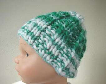 Chunky knit hat green white kids hat size 1 - 1.5 yrs warm comfortable winter hat hand knit hat green, Christmas gift baby stocking stuffer