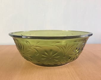 Sweet vintage avocado green glass FTD dish with raised daisy pattern / ornate design for tropical Old Florida holiday party!