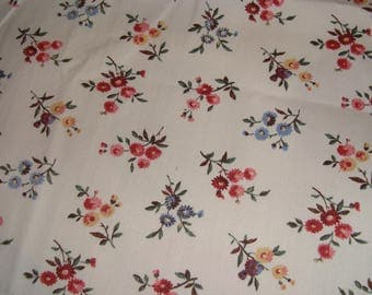 Popelinea flowers, off white background cotton fabric