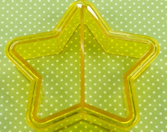 Collectable Plastic Star Sandwich/Cookie Cutter