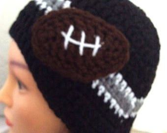 LA Raiders beanie for teen with football applique