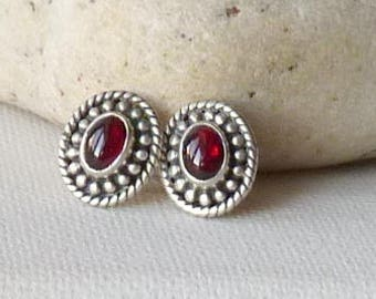 Sterling Silver Garnet Stud Earrings, Vintage Oval Garnet Stud 925 Garnet Earrings, Small Pierced 70's, Garnet Jewelry, January Birthstone