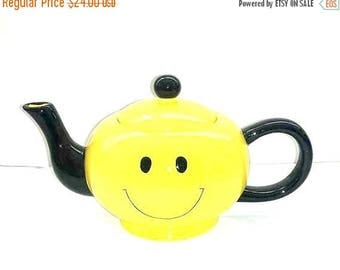 Vintage Smiley Face Teapot,Yellow Smiley Face Teapot,Happy Face Teapot,Yellow Teapot,Emoji,Yellow,Get Well Gift,JIB,Korea,Smiley Face,1970s
