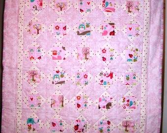 Pretty in pink, modern baby girl quilt, handmade baby girl quilt