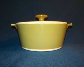 Vintage Corning Ware, Avocado, 1 3/4 Qt Casserole Dish with Lid, P-701 3/4-B, Green