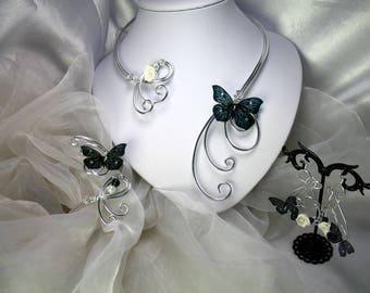 Parure Collier, bracelet et boucles d'oreilles Fil d'aluminium Roses et papillons noirs