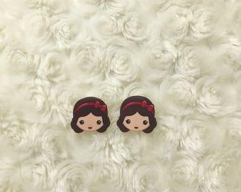 Snow White stud earrings!