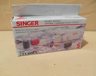 Singer Handy Stitch. Portable Sewing Machine. Vintage Sewing Machine.