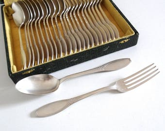 Art Deco Silver-Plated Cutlery Set with 12 Forks and 12 Spoons - French Vintage 1920s 1930s Flatware - Antique Silverware