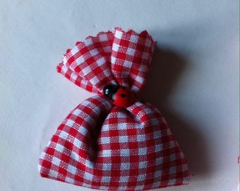 7 mini sachets of lavender Plaid red and white