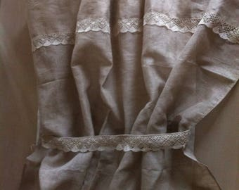 Curtain in natural linen and lace color
