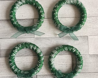 Green mini tree wreaths, forest green, round, circle, bow, small, decoration, festive, Christmas, winter