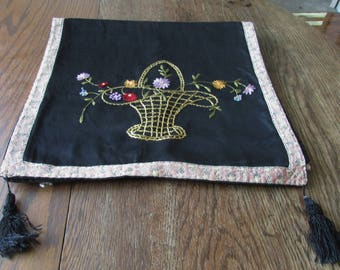 Vintage Flower Basket Table Runner Embroidered Embroidery