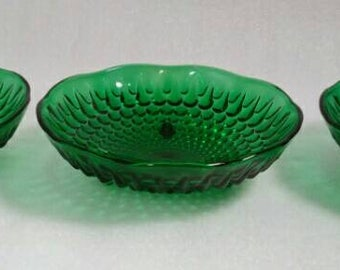 Set of 3 Vintage Footed Emerald Green Bowls