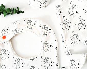 Birth Kit. Bib, bandana bib and adorns Teepees, 100% organic cotton GOTS * small owls at night *.