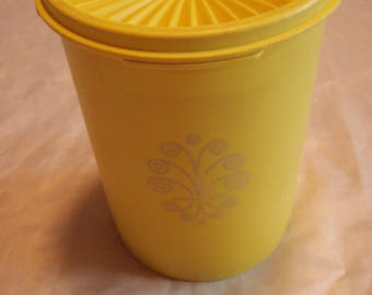 Vintage Tupperware Yellow servalier Canister container 811 w/ lid 812