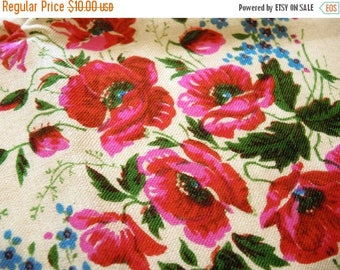 ON SALE Vintage woolen shawl Woolen scarf with floral pattern #135