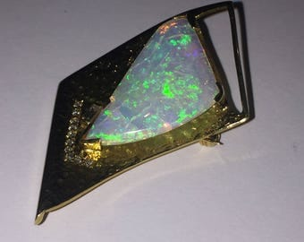 Retro 18K Yellow Gold, 5.50ct Opal & Diamond Brooch/Pendant