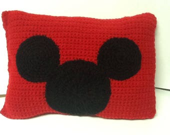 Crochet Mickey mouse pillow