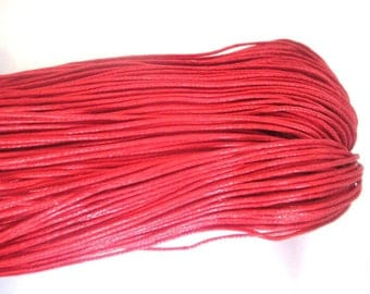 20 meters of thread waxed cotton red 0.7 mm