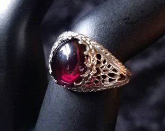 Vintage sterling Silver Ring with Burgundy Glass Stone Size 5