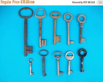 ON SALE Keys//Antique Keys//Old Keys//Vintage Keys//Antique Skeleton Keys//Skeleton Keys//Antique French Keys//Found And Flogged