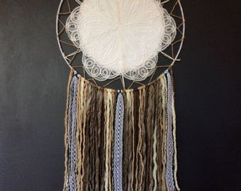 Unique neutral dream catcher