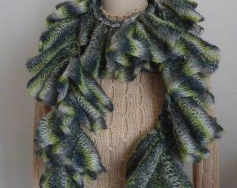 Scarf woman vaporous and soft green