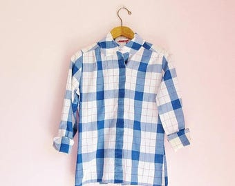 SALE 15% OFF Vintage 90s Thick + Thin Grid Plaid Button-Up Shirt - Women's M