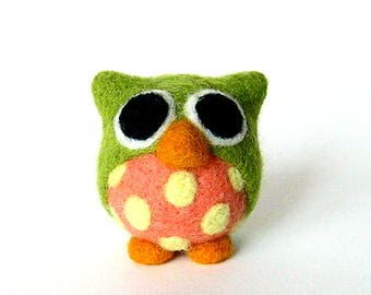 Little owl. Green and salmon with yellow dots. Needle felted decorative figurine