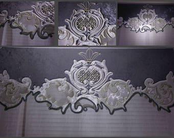 Silver-pearl curtains
