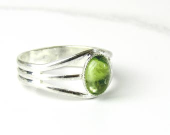 Silver Peridot Ring, August Birthstone Ring, Silver Agust Birthstone Ring, Green Peridot Ring, Adjustable Gemstone Ring, Peridot Ring Silver