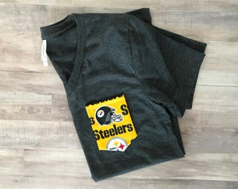 Pocket Tee with Pittsburgh Steelers Pocket