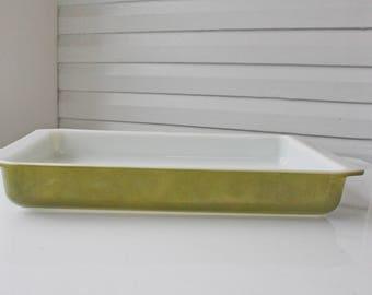 Vintage Pyrex 933 Lasagna Baking Dish-Pan-Green-Verde