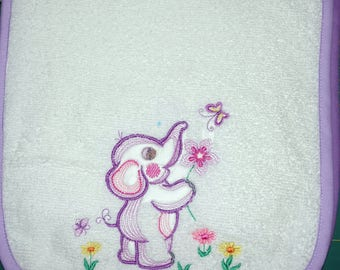 Embroidered child's bib 2