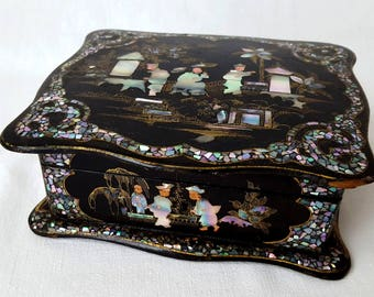 Beautiful lacquered Napoleon III jewelry box mother of Pearl and black Asian decor - 20824