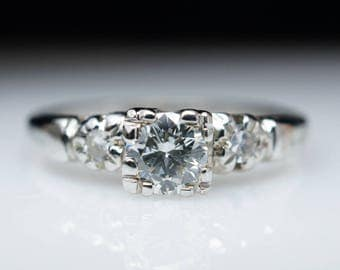 Vintage Art Deco Diamond Engagement Ring in 18k White Gold 1940s Round Brilliant Cut diamond