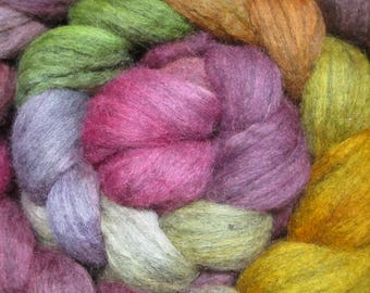 """Dyed strand of wool spinning by hand """"Ballad"""""""