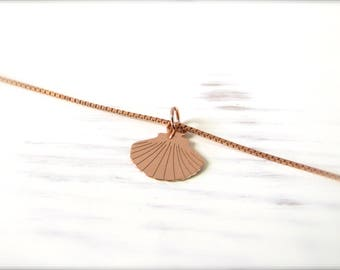 Shell | Necklace | Rosé gold