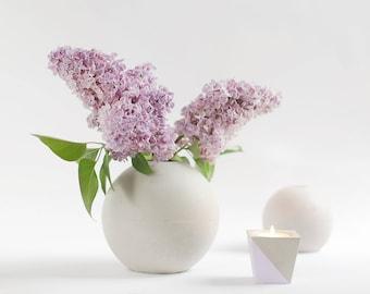 Concrete M ball vase