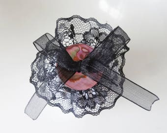 brooch mother of Pearl and lace