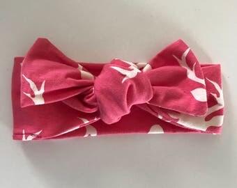 Bright Pink Buck Head Bow