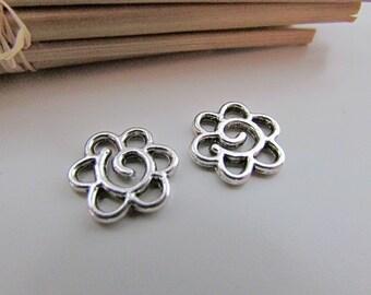 10 connecteurs fleur 1.4 cm de diamètre en métal argenté antique - trou 3 mm- 104.18