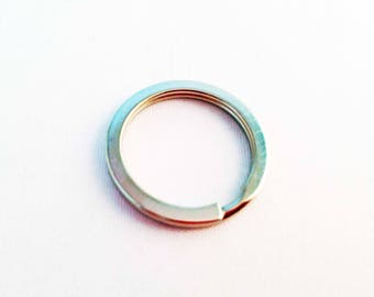 PC01 - 5 rings to 2.5 cm diameter and thickness 1.7 mm, silver metal key ring.