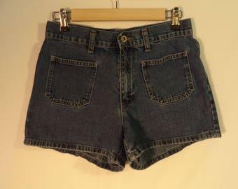 Vintage jean shorts// 90s Gap medium high rise waist blue denim cotton short daisy dukes// Women's size small 6 USA 29 W