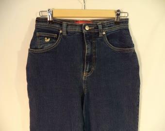 90s high waist mom jeans// Vintage Gloria Vanderbilt// Dark wash blue denim skinny tapered leg// Women size 6 28 W