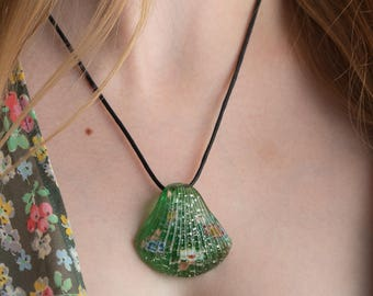 Green Shell Glass Pendant Necklace