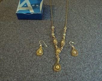 Avon Y Necklace Set
