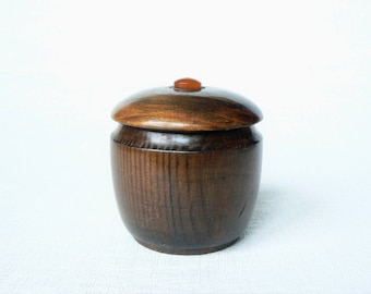 Wooden BOX Vintage/ Small Wooden Jewelry Box with Lid/ Vintage Style Home Decor/ Latvia 1980s